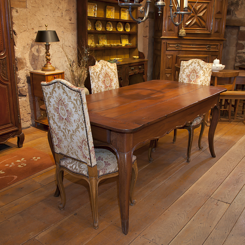 Country French Louis XV Cherry Wood Farm Table From Brittany. Circa Late  1700u0027s Farm Table Of Wild Cherry With Scalloped Apron And Three Board Top  And ...